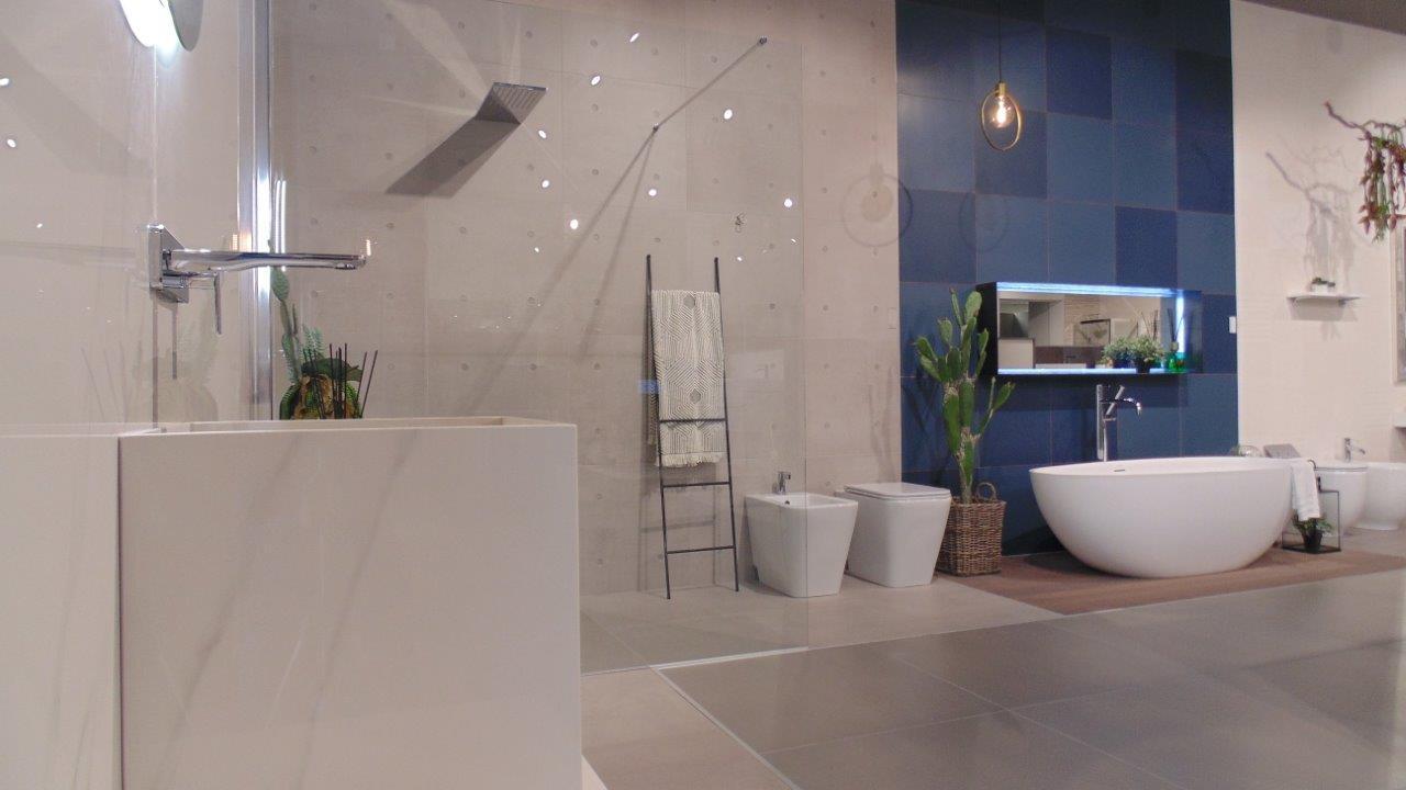 Showroom piastrelle parquet e arredo bagno zelarino for Arredo bagno mestre